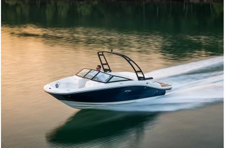 2020 Sea Ray boat for sale, model of the boat is 190 Sport & Image # 2 of 5