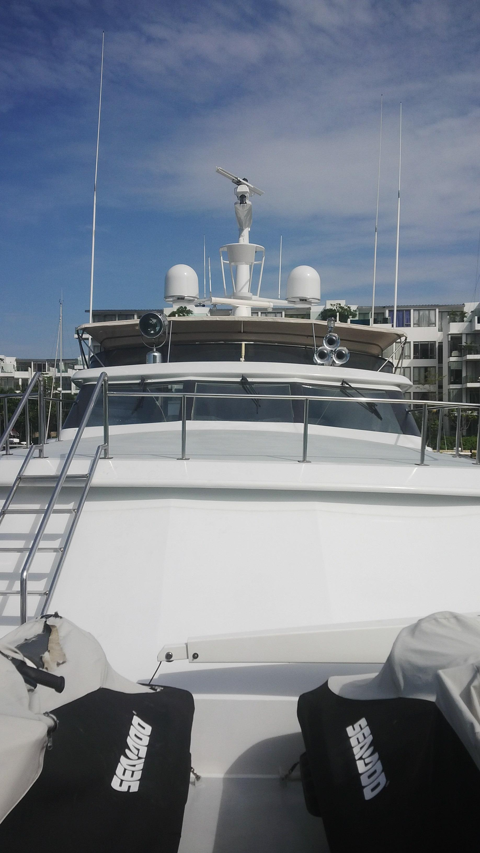 Looking Aft-Fwd Cabin & Pilot Hse