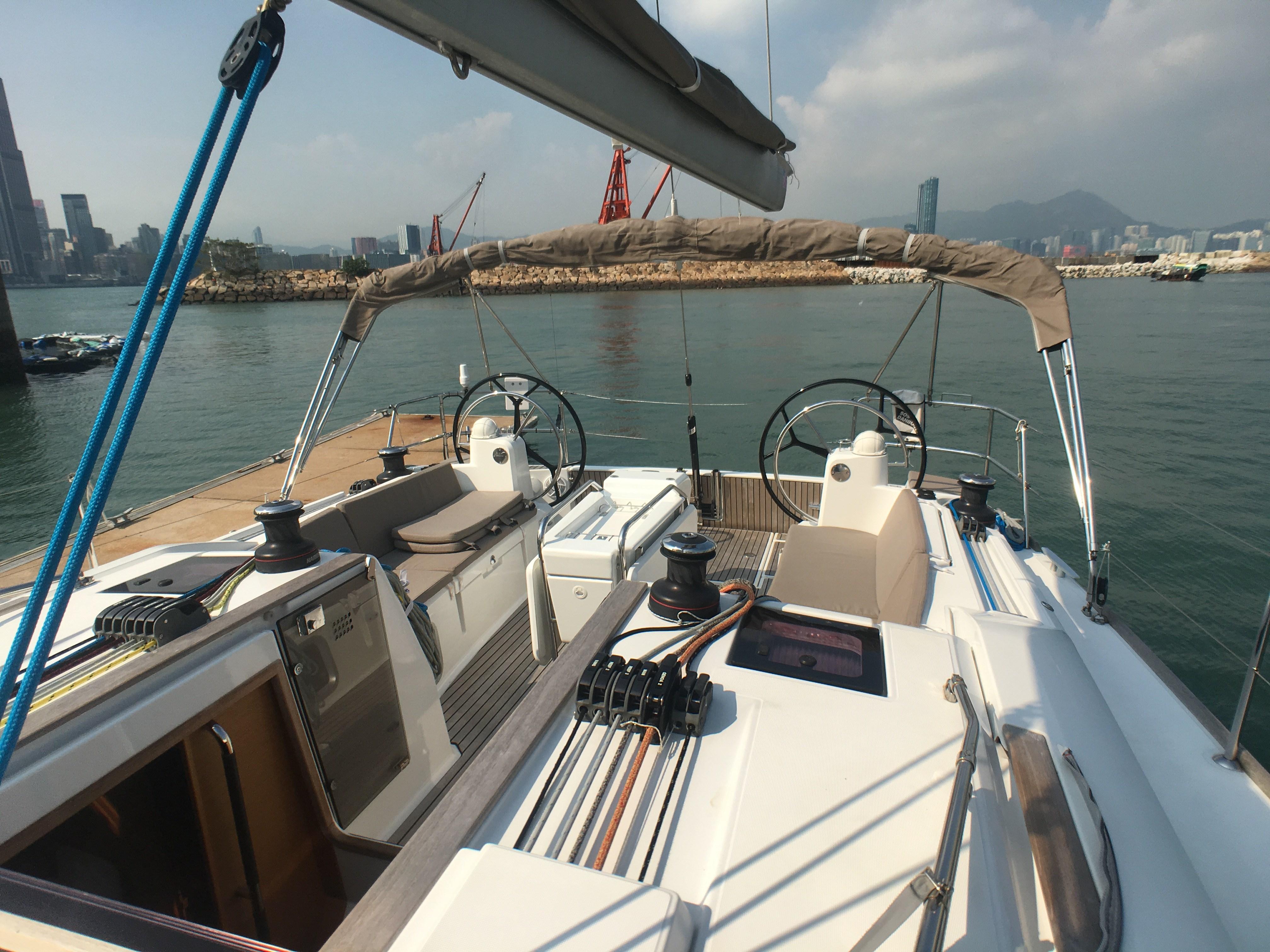 Jeanneau Sun Odyssey 479 Cockpit