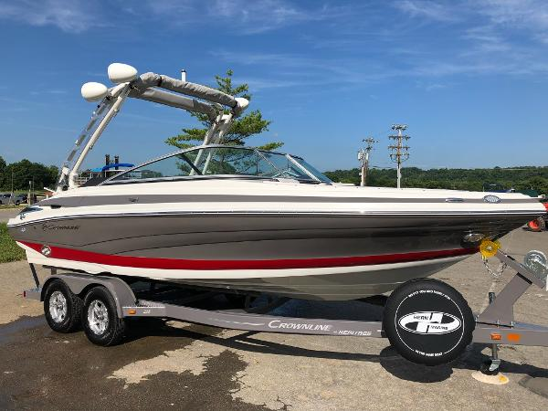 2019 CROWNLINE 225 SS for sale
