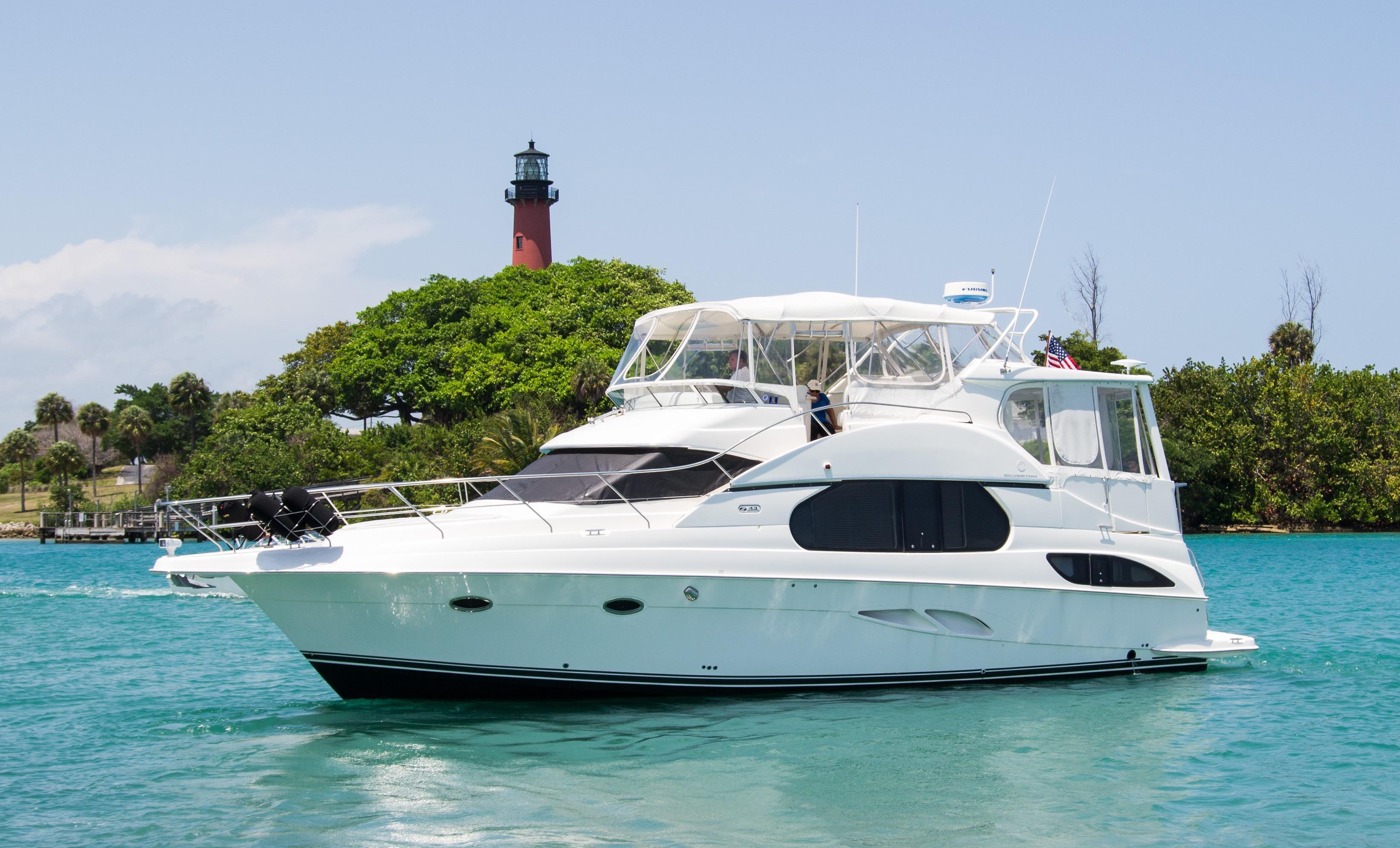 47.58' Silverton 2004 43 Motor Yacht