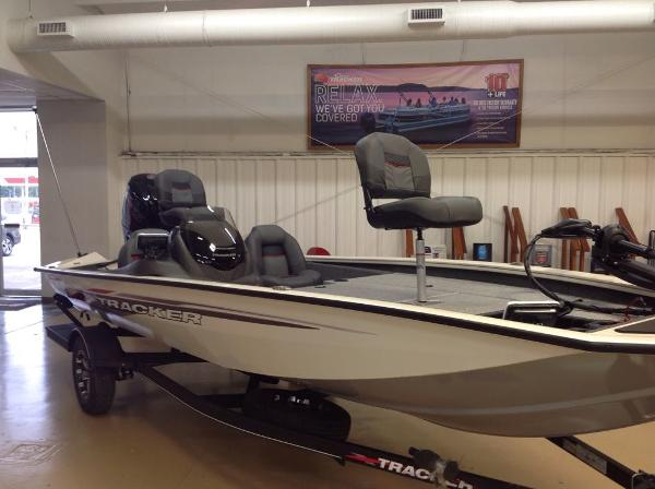 2021 Tracker Boats boat for sale, model of the boat is PT 190TE & Image # 5 of 11