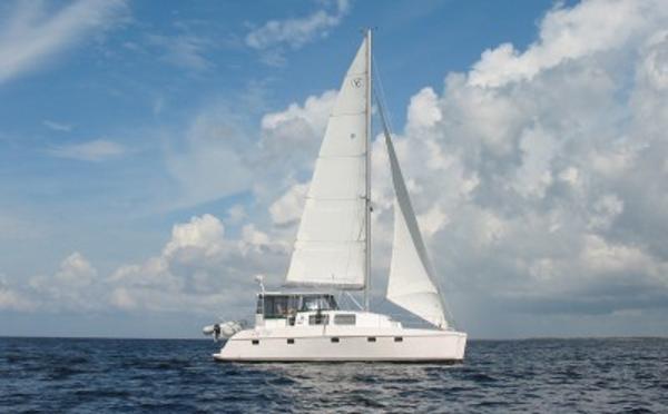 44' Endeavour Catamaran 44