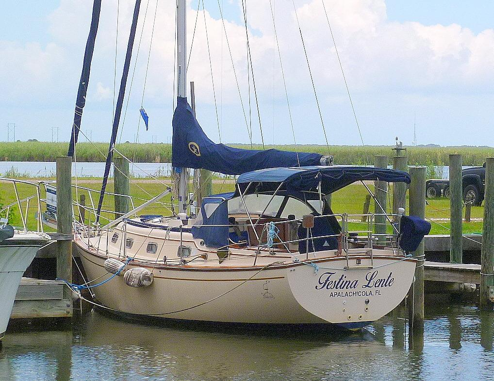 29' Island Packet 1996 29