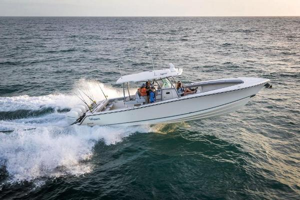2021 Mako boat for sale, model of the boat is 414 CC & Image # 24 of 129
