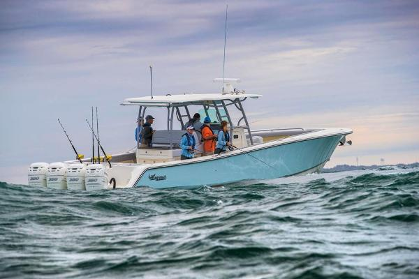 2020 Mako boat for sale, model of the boat is 414 CC Family Edition & Image # 4 of 113
