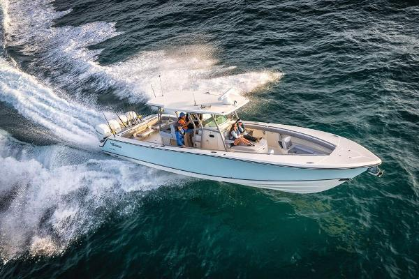 2020 Mako boat for sale, model of the boat is 414 CC Family Edition & Image # 11 of 113