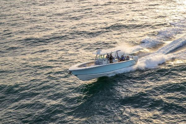 2020 Mako boat for sale, model of the boat is 414 CC Family Edition & Image # 14 of 113