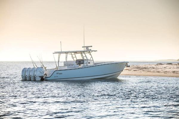 2020 Mako boat for sale, model of the boat is 414 CC Family Edition & Image # 19 of 113