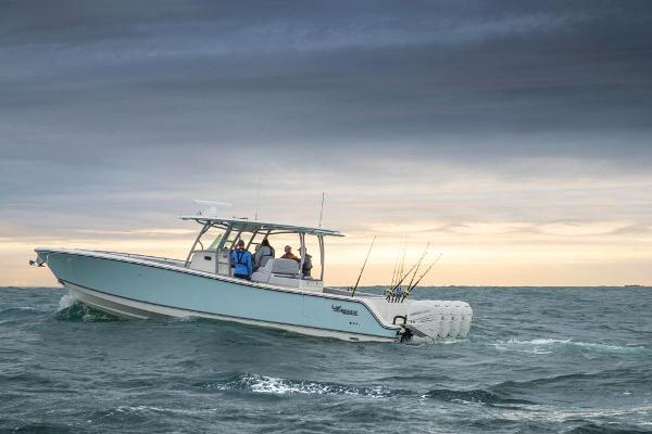 2020 Mako boat for sale, model of the boat is 414 CC Family Edition & Image # 21 of 113