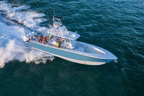 2020 Mako boat for sale, model of the boat is 414 CC Family Edition & Image # 22 of 113