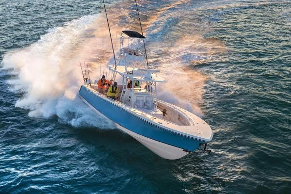 2020 Mako boat for sale, model of the boat is 414 CC Family Edition & Image # 23 of 113