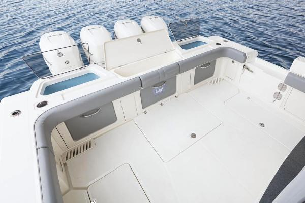 2020 Mako boat for sale, model of the boat is 414 CC Family Edition & Image # 24 of 113