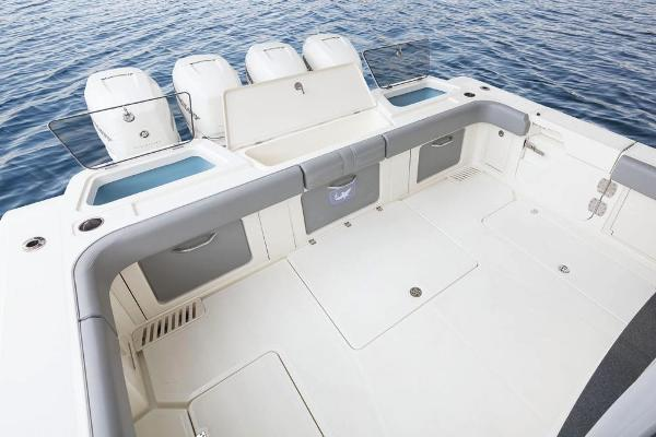2020 Mako boat for sale, model of the boat is 414 CC Family Edition & Image # 25 of 113
