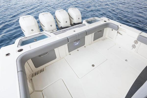 2020 Mako boat for sale, model of the boat is 414 CC Family Edition & Image # 27 of 113