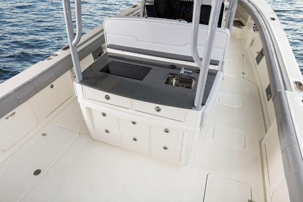 2020 Mako boat for sale, model of the boat is 414 CC Family Edition & Image # 29 of 113