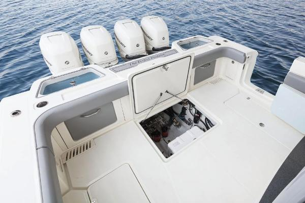 2020 Mako boat for sale, model of the boat is 414 CC Family Edition & Image # 31 of 113