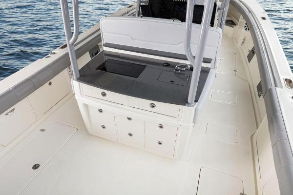 2020 Mako boat for sale, model of the boat is 414 CC Family Edition & Image # 32 of 113