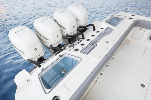 2020 Mako boat for sale, model of the boat is 414 CC Family Edition & Image # 33 of 113