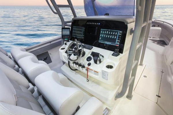 2020 Mako boat for sale, model of the boat is 414 CC Family Edition & Image # 37 of 113