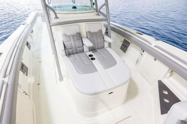 2020 Mako boat for sale, model of the boat is 414 CC Family Edition & Image # 39 of 113