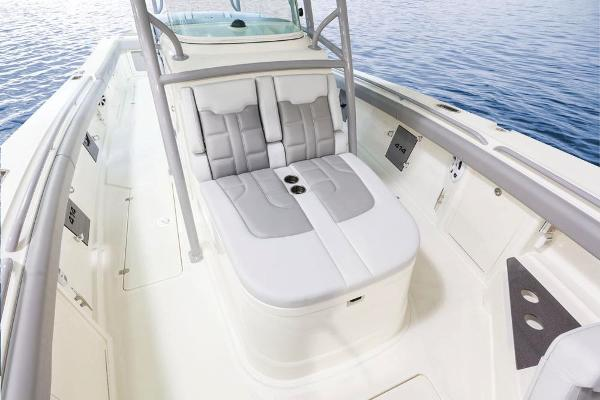 2020 Mako boat for sale, model of the boat is 414 CC Family Edition & Image # 40 of 113