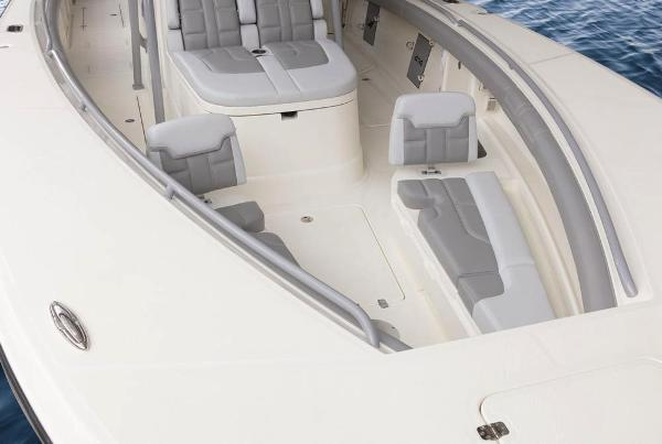 2020 Mako boat for sale, model of the boat is 414 CC Family Edition & Image # 42 of 113