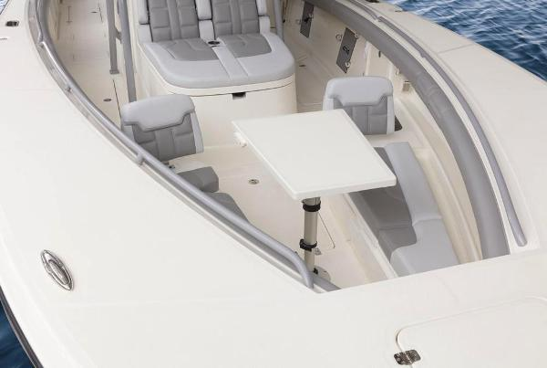 2020 Mako boat for sale, model of the boat is 414 CC Family Edition & Image # 43 of 113