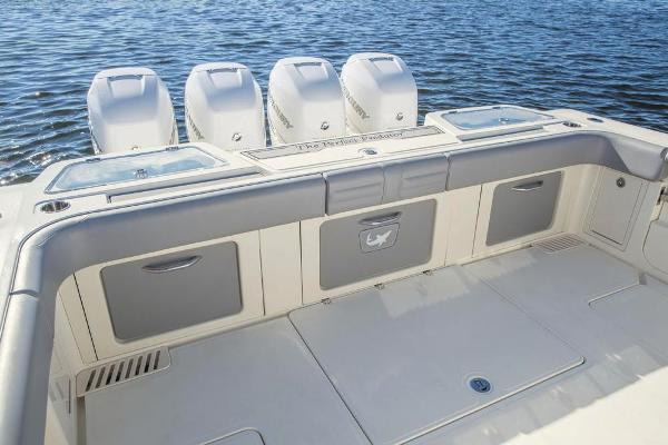 2020 Mako boat for sale, model of the boat is 414 CC Family Edition & Image # 52 of 113
