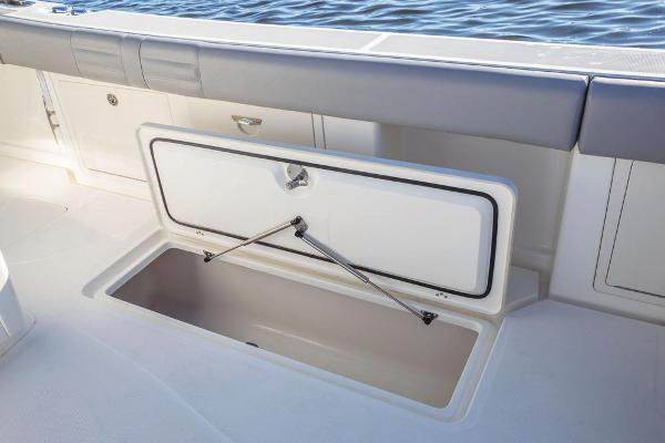 2020 Mako boat for sale, model of the boat is 414 CC Family Edition & Image # 57 of 113