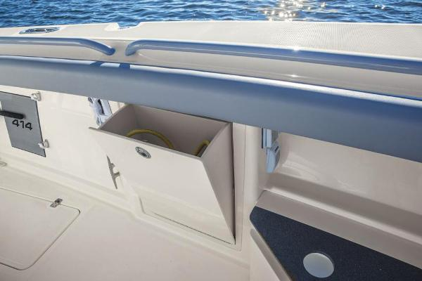 2020 Mako boat for sale, model of the boat is 414 CC Family Edition & Image # 61 of 113