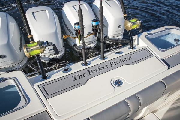 2020 Mako boat for sale, model of the boat is 414 CC Family Edition & Image # 71 of 113