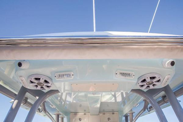 2020 Mako boat for sale, model of the boat is 414 CC Family Edition & Image # 82 of 113