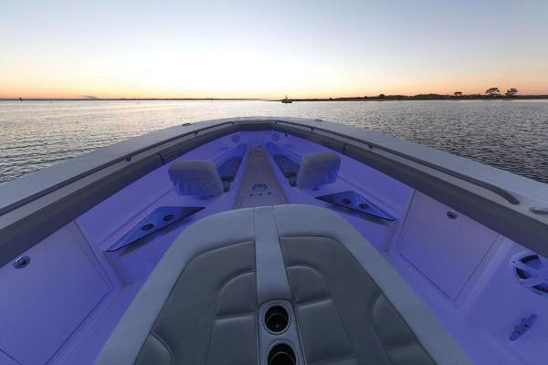 2020 Mako boat for sale, model of the boat is 414 CC Family Edition & Image # 85 of 113