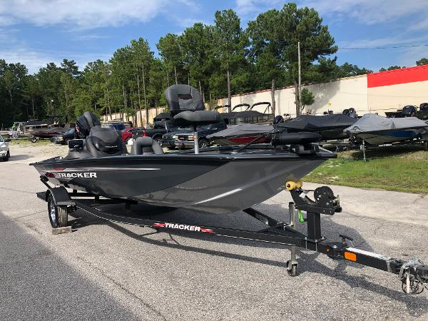 2021 Tracker Boats boat for sale, model of the boat is Pro Team 190 TX & Image # 5 of 31