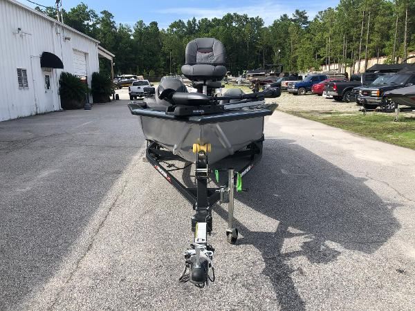 2021 Tracker Boats boat for sale, model of the boat is Pro Team 190 TX & Image # 6 of 31