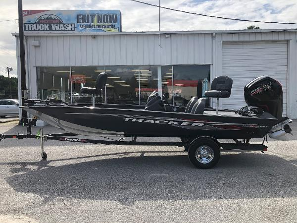 2021 Tracker Boats boat for sale, model of the boat is Pro Team 190 TX & Image # 7 of 31