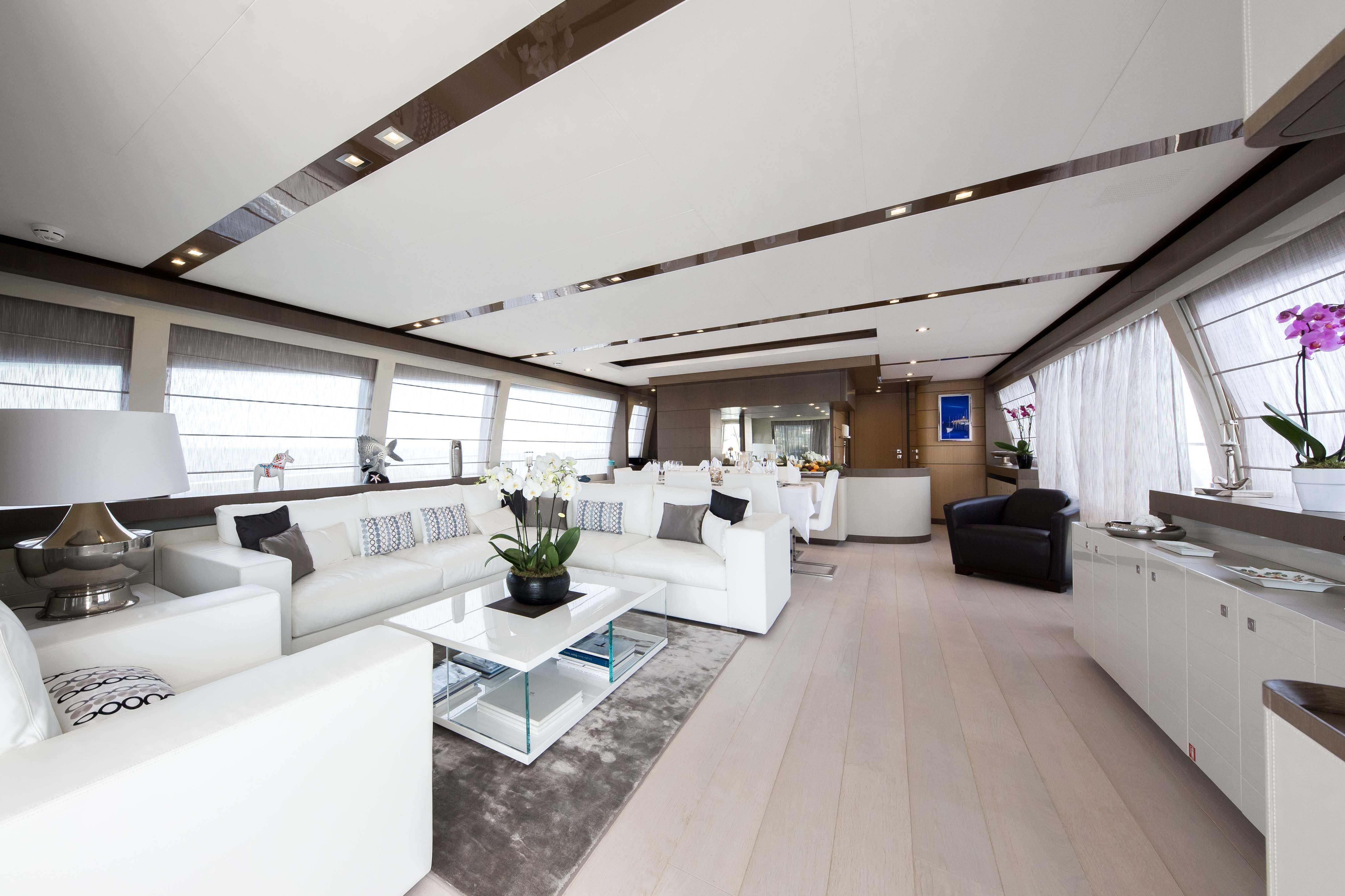 96 Ferretti Yachts F960