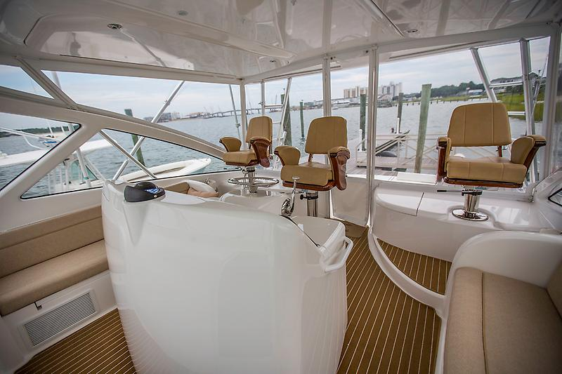 2015 Viking 42 Open, 3 pedestal seats (Release Chairs)