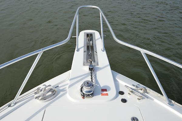 2015 Viking 42 Open, anchor windlass