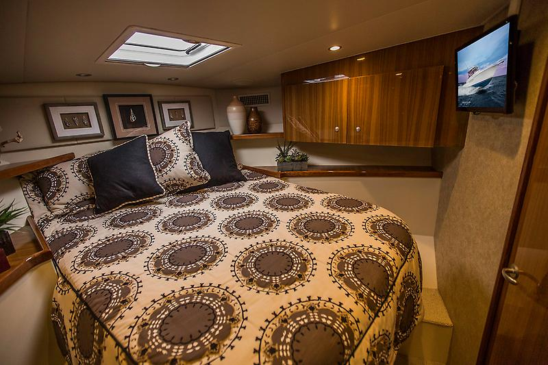 2015 Viking 42 Open, Master Stateroom picture 2