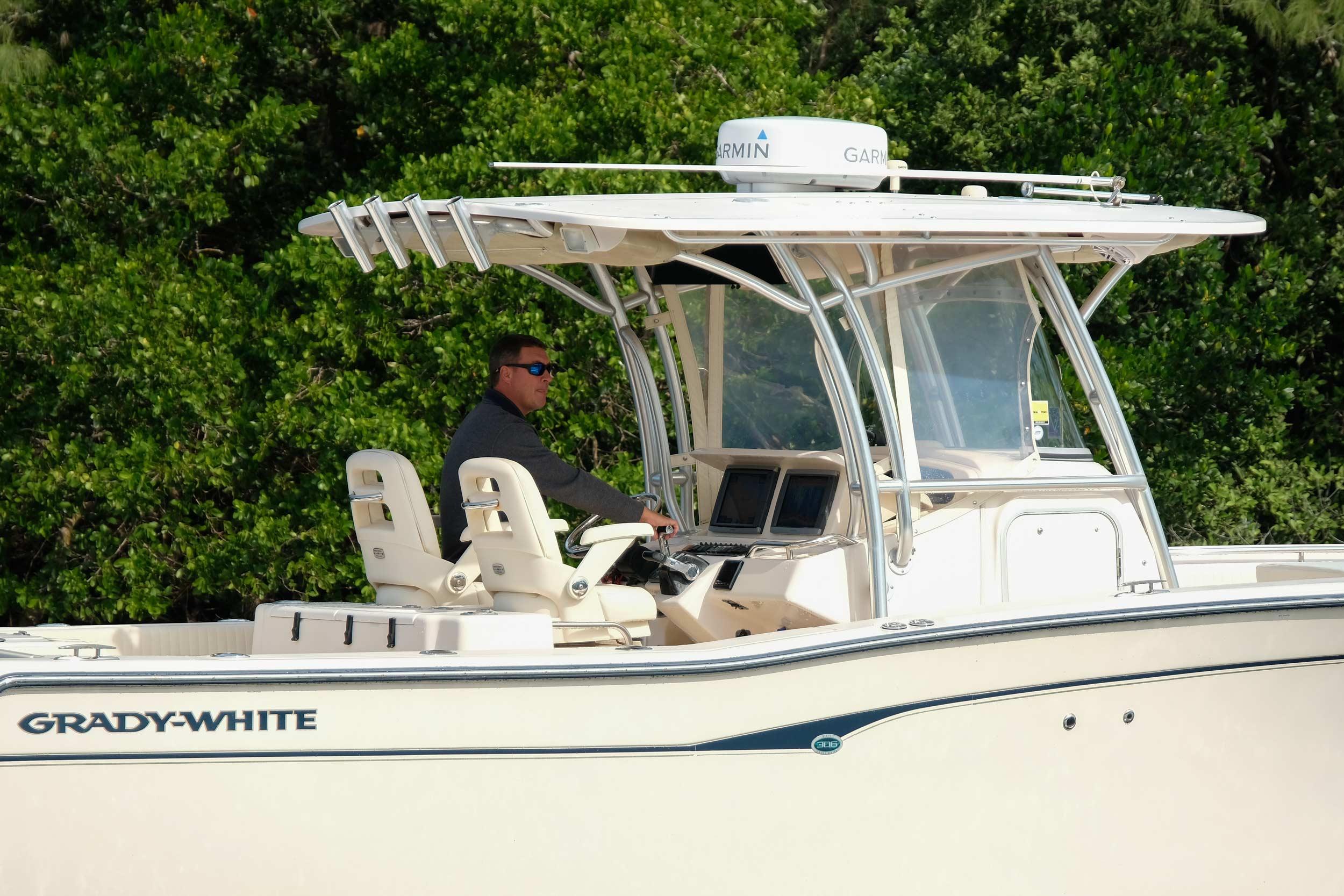 2008 Grady-White Bimini 306
