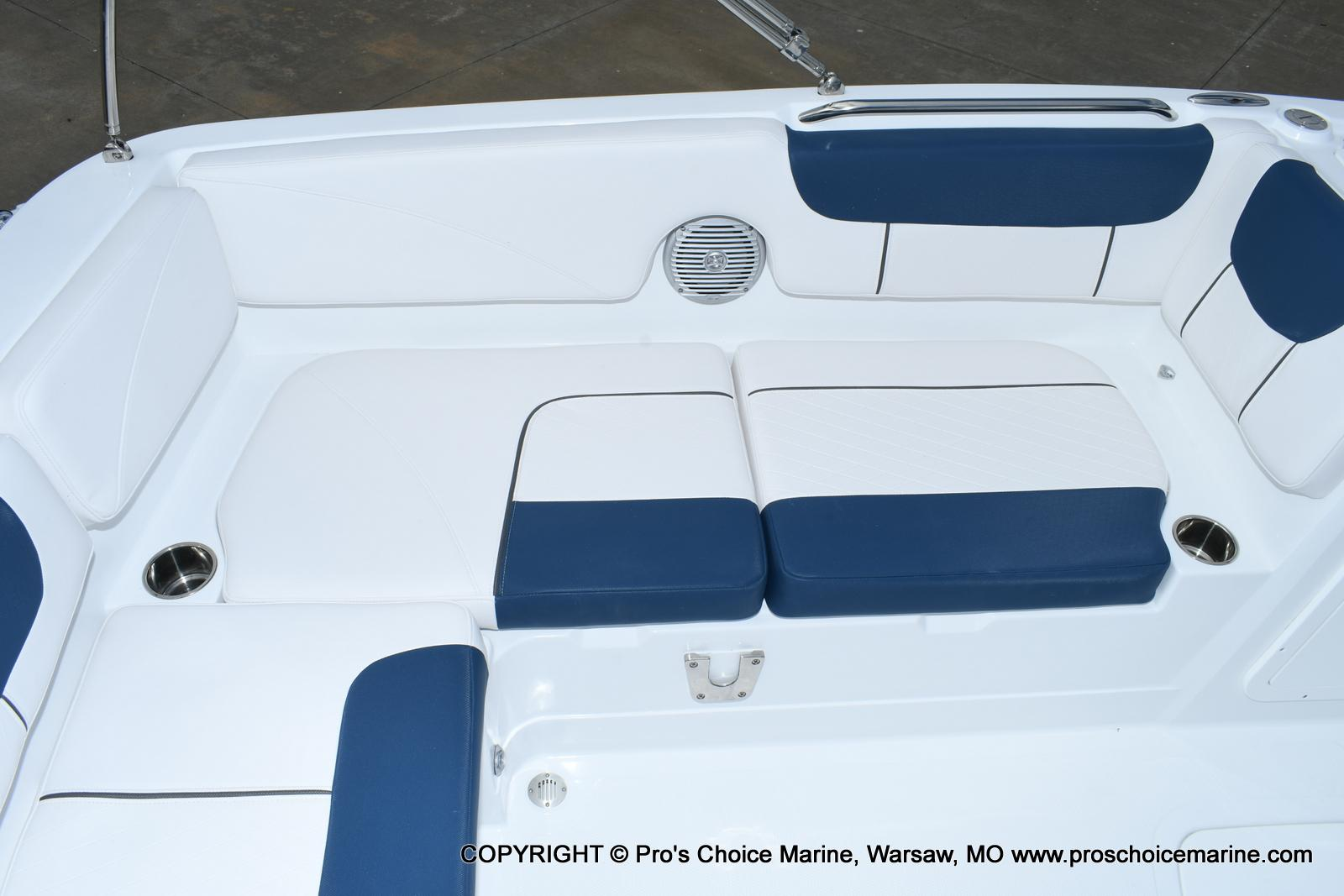 2020 Tahoe boat for sale, model of the boat is 2150 & Image # 12 of 50