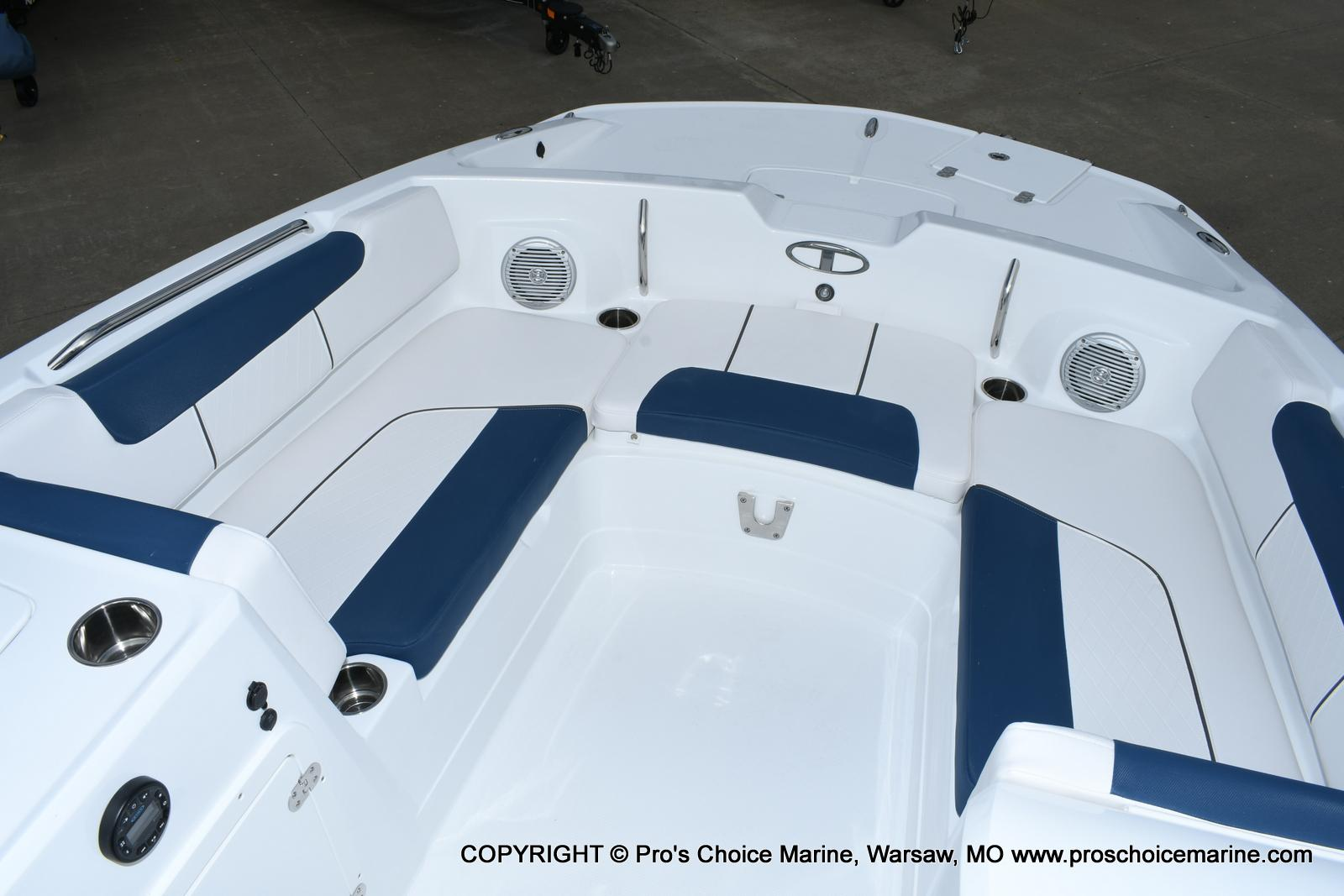 2020 Tahoe boat for sale, model of the boat is 2150 & Image # 14 of 50