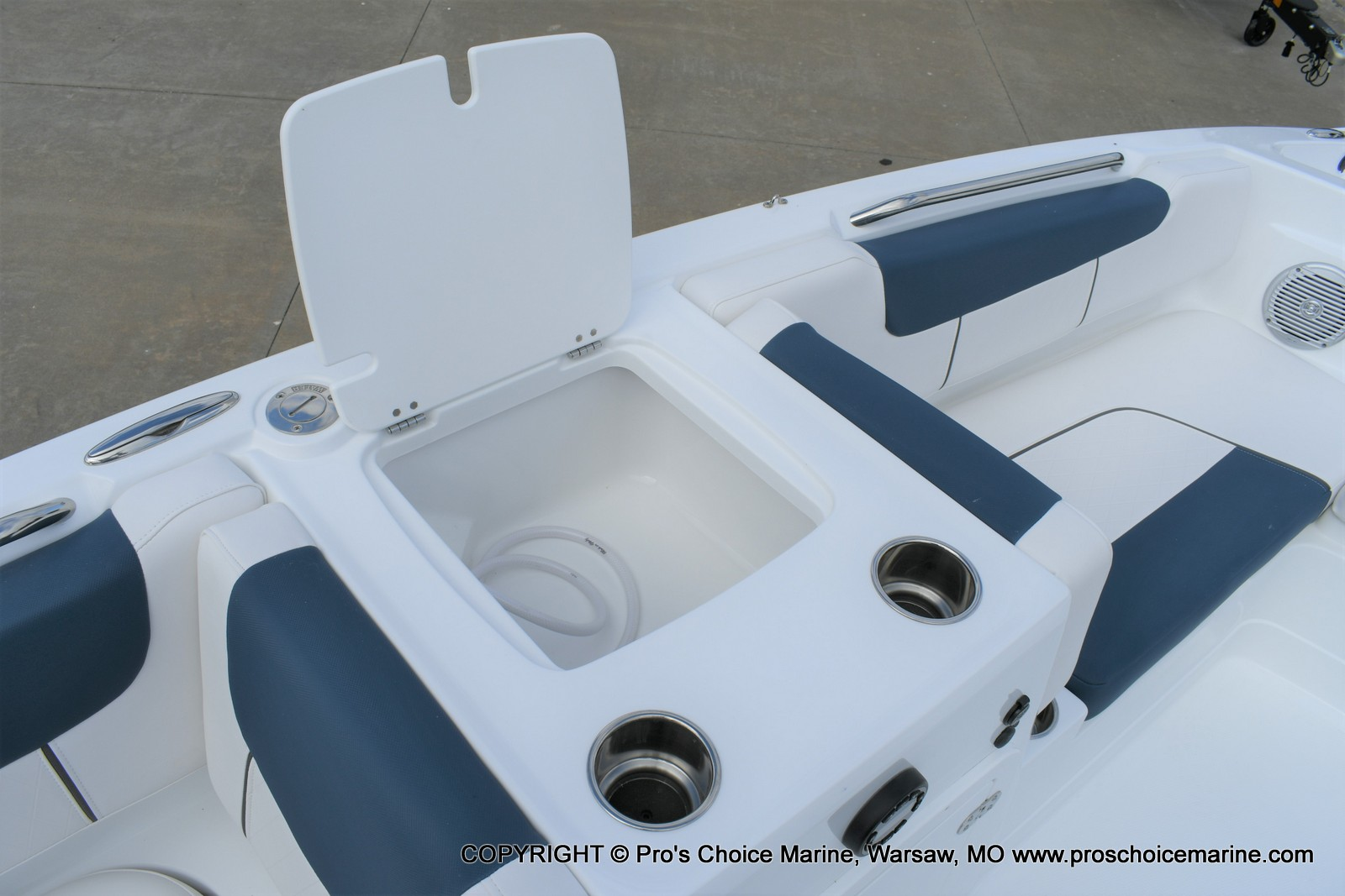 2020 Tahoe boat for sale, model of the boat is 2150 & Image # 25 of 50