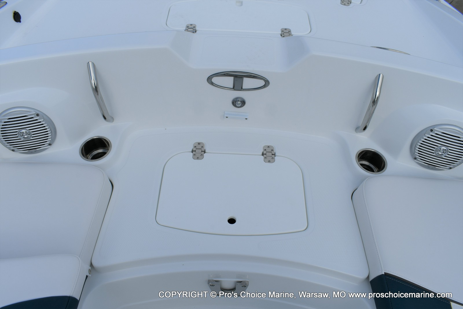 2020 Tahoe boat for sale, model of the boat is 2150 & Image # 38 of 50