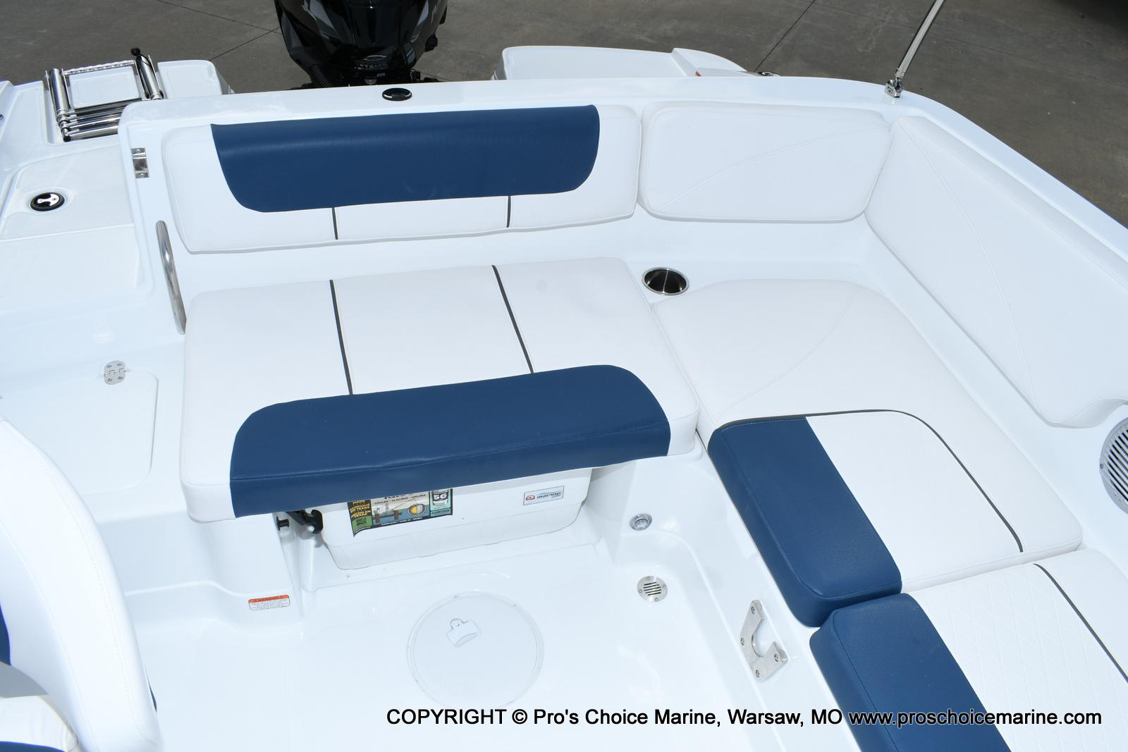 2020 Tahoe boat for sale, model of the boat is 2150 & Image # 4 of 50