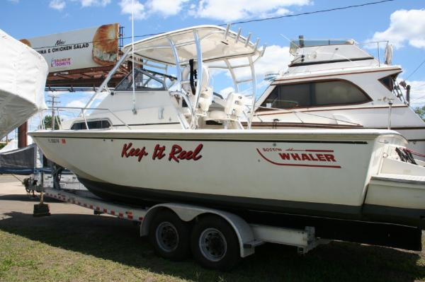 Boston Whaler Full Cabin Cuddy Cabin Listing Number: M-3843120