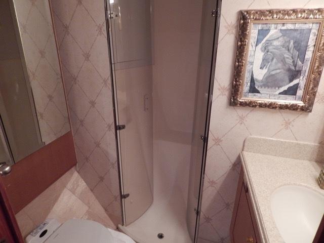 VIP En Suite Head with Shower