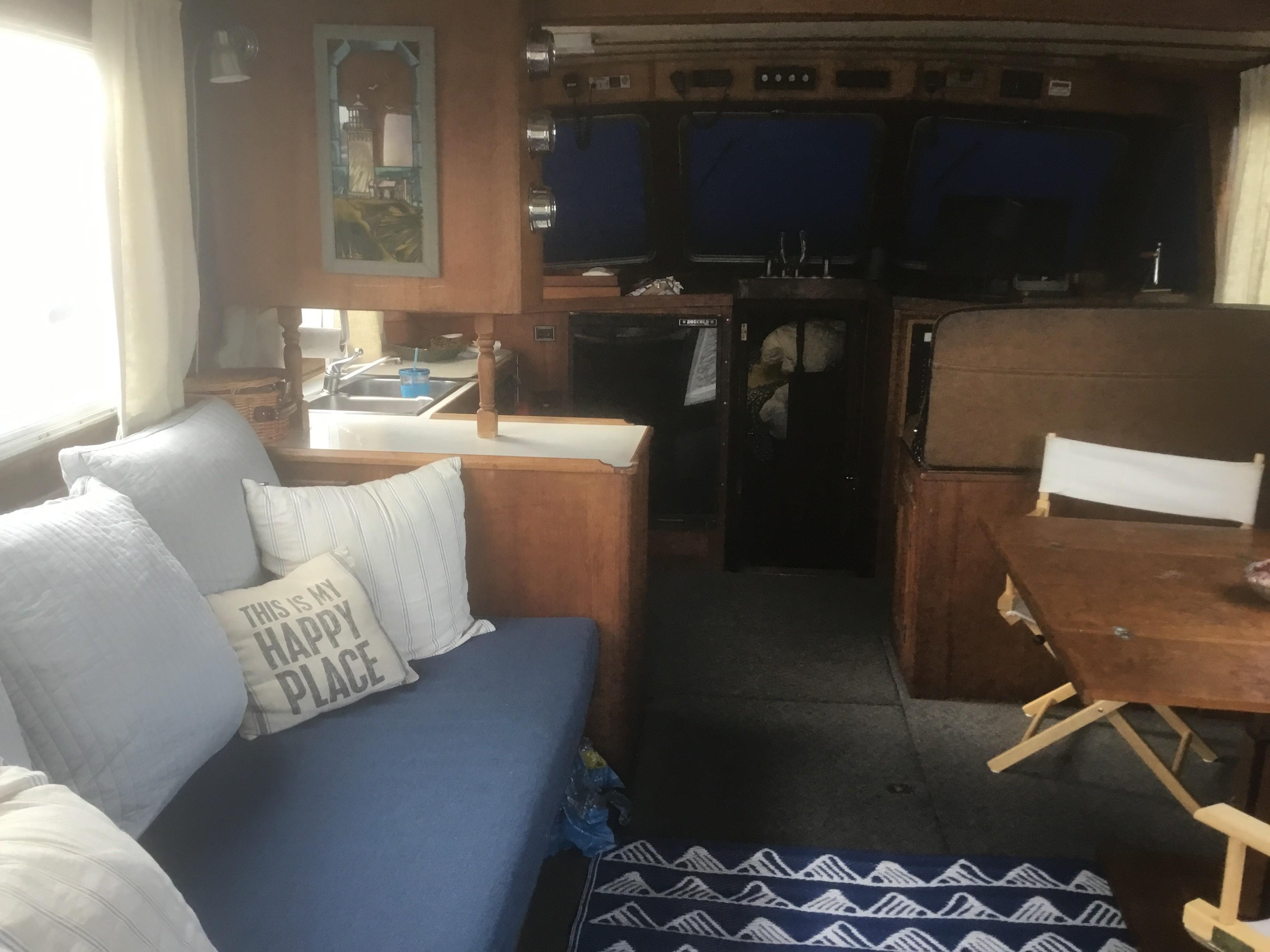 Transpacific Marine Flybridge Cruiser